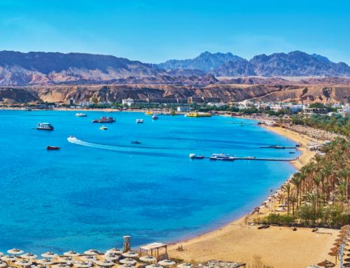 Vacanze estive a Sharm el Sheikh sotto il caldo sole dell'Egitto.