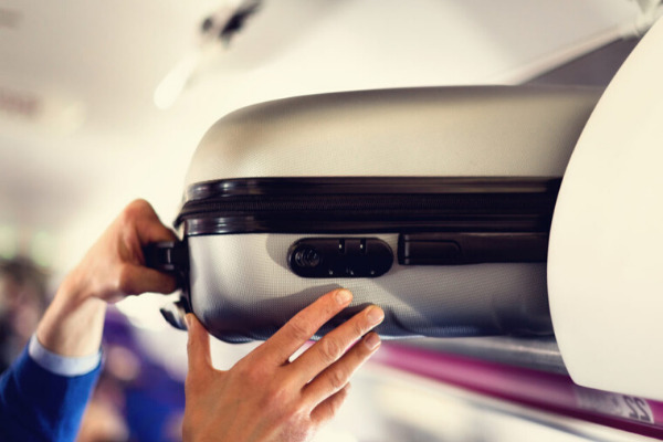 bagaglio a mano cosa è possibile portare in aereo